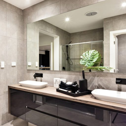 polished-edge-mirror