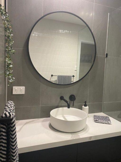 Classic Black Round Mirror